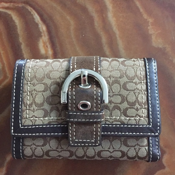Coach Handbags - Small brown coach wallet fe01b9b1db923