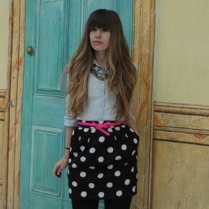 LOFT Dresses & Skirts - LOFT Petites polka dot skirt with POCKETS!