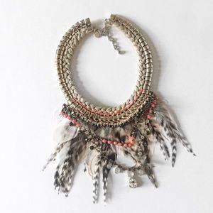 Express Jewelry - ✨HPx2✨//F e a t h e r • B i b • N e c k l a c e //