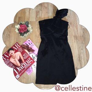 Snap Dresses & Skirts - Snap One Shoulder Black Dress size 5