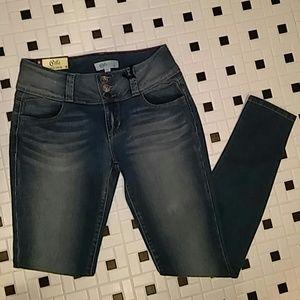 Cello Jeans Denim - Cello Blue Jeans - 5 Levanta Pompis Curve Huggers