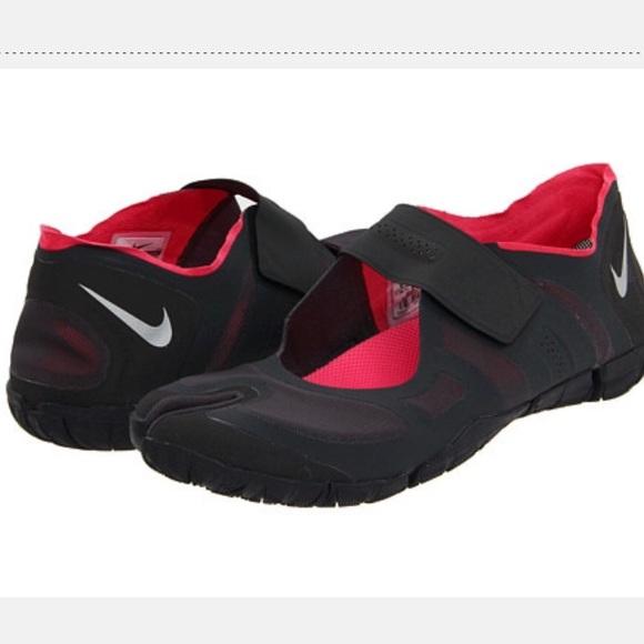 Nike Free Gym Split Toe Running Shoe