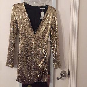 Short gold sequin dress w/  long sleeve