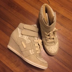 Shoes - Nude / lace Wedge sneakers