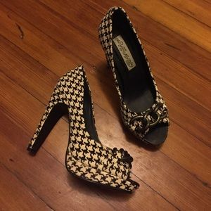 naughty monkey Shoes - Houndstooth pumps