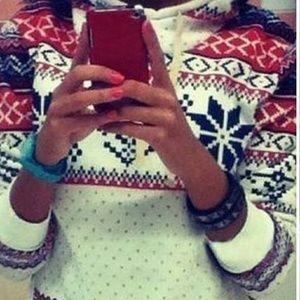 Tops - Snowflake hoodie