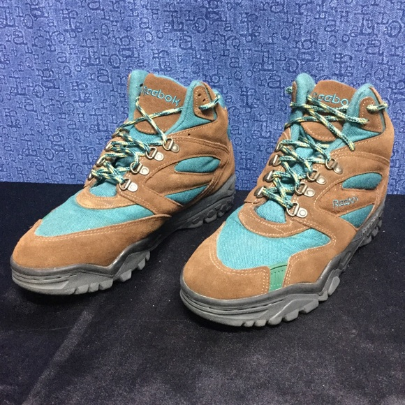 d2d2dec0a781b Reebok Shoes - VINTAGE REEBOK hiking boots green brown . 40.5 9