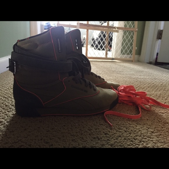 a8324a60bbb Olive green   pink Reebok High Tops. M 56c09ee713302a8875047a08. Other Shoes  ...