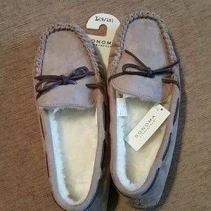 Brand new woman's sanoma slippers