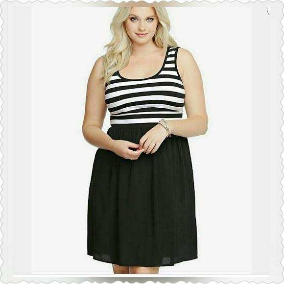 35a53b716291 Torrid Skater Dress. M 56c0cc3899086a19fa04b369