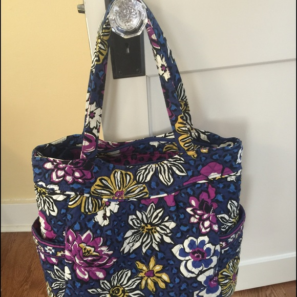 EUC Vera Bradley Pleated Tote in African Violet.  M 56c0d2be5a49d03330006a22. Other Bags you may like. Vera Bradley cloth bag a3afe28cdccb3