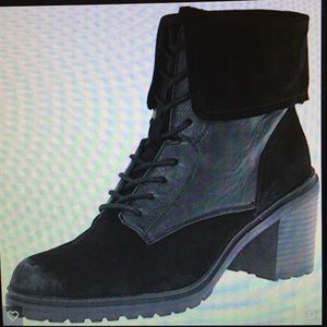 KENNETH COLE LACE UP BOOTS SIze 11 Worn once