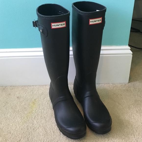 Black matt Hunter rain boots
