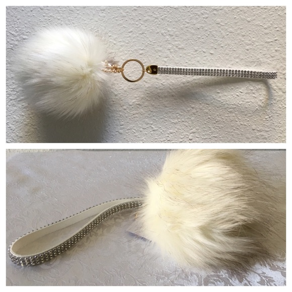 Accessories - New - Pom Pom keychain