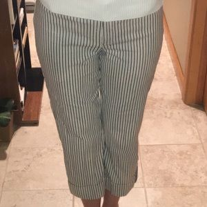 SALE!!! Striped slimming cropped&buttoned Capri's