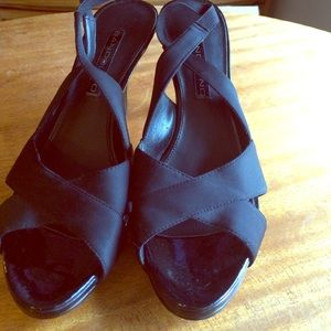 Bandolino Peep-toe pumps