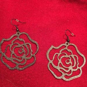 Jewelry - Rose earrings