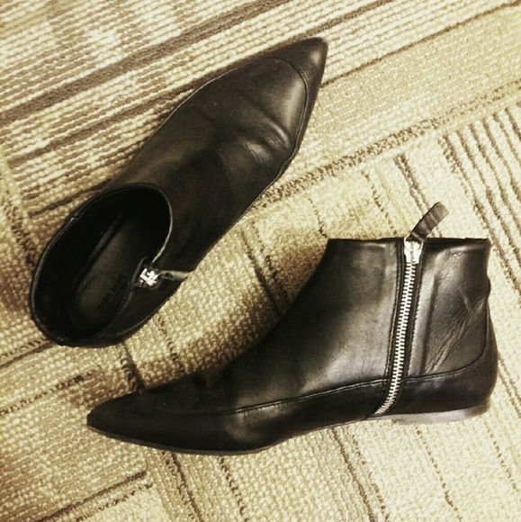 Zara Shoes   Zara Flat Pointed Ankle