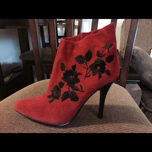 New J. Renee suede Woman booties