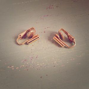 Jewelry - Vintage gold bar earrings