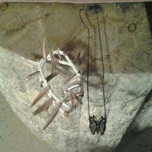 Accessories - Butterfly necklace & seashell bracelet