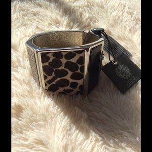 Vince Camuto Jewelry - 💓Vince Camuto zebra print statement bracelet💓