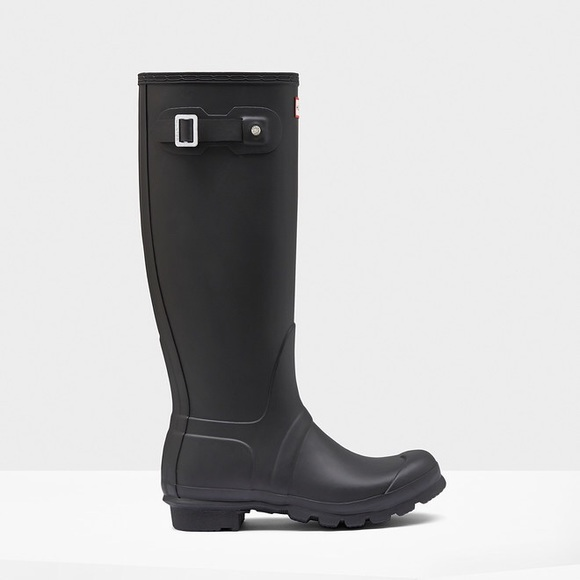 36 off hunter boots shoes black matte hunter rain boots