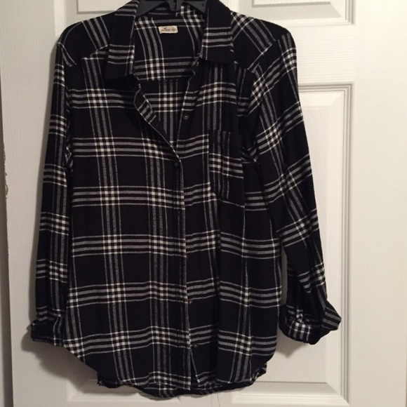 06f88a678b6 Hollister Tops - Hollister Black   White Flannel