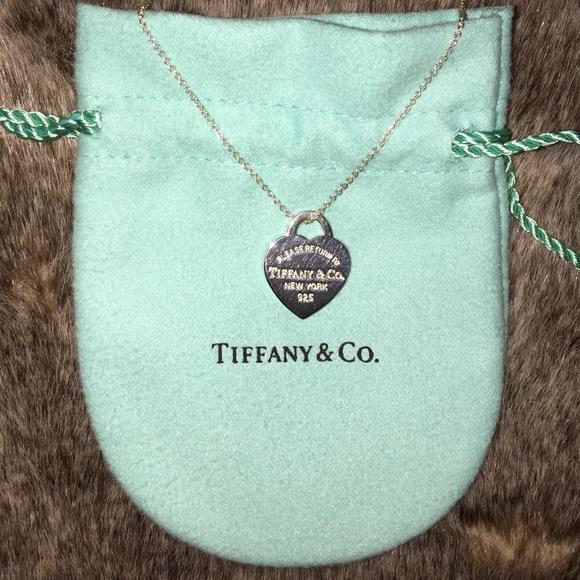 df55630d90 Tiffany • Return to Tiffany Heart Tag Pendant. M_56c1f0f0ea3f363ea5002740