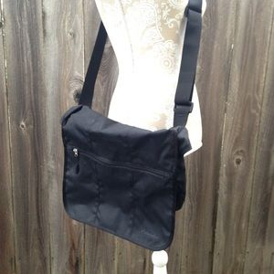 Columbia Handbags - NWOT Columbia Messenger bag