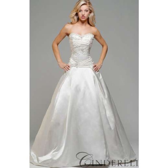 Kirstie Kelly Dresses & Skirts - Kirstie kelly Cinderella wedding gown