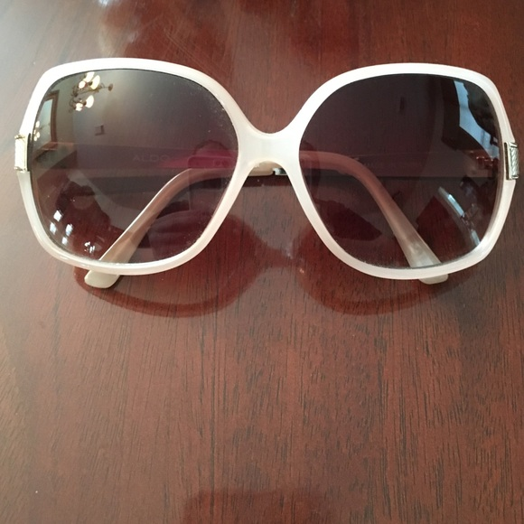 5c2f270fbe329 ALDO Accessories - Blush pink sunglasses
