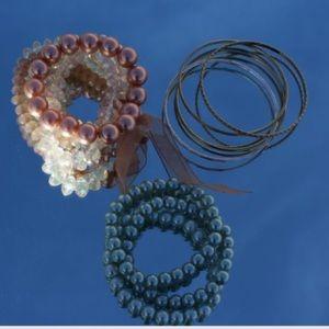 HPBundle of three bangle bracelets