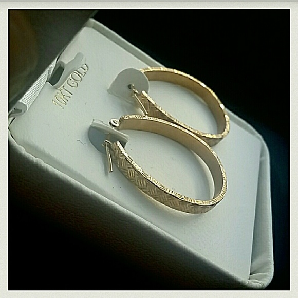 Jcpenney Gold Bracelets: *Just In* NWT 10K Gold Hoop