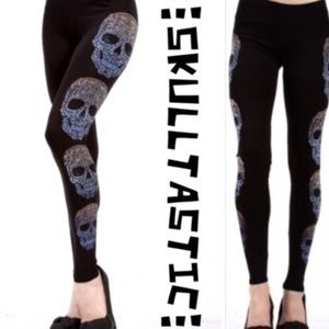 tla2 Pants - 💥HP 10/26💥SKULL LEGGINGS WITH LOTSA BLING