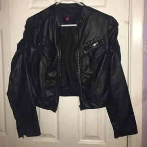 (S) Women's Black Faux Leather Biker Jacket!
