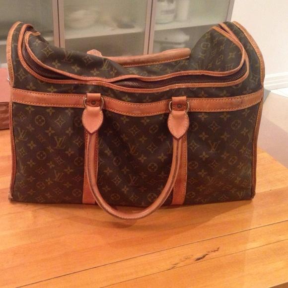 e53a2e62ae66 Louis Vuitton Handbags - Vintage Louis Vuitton Shoe Bag