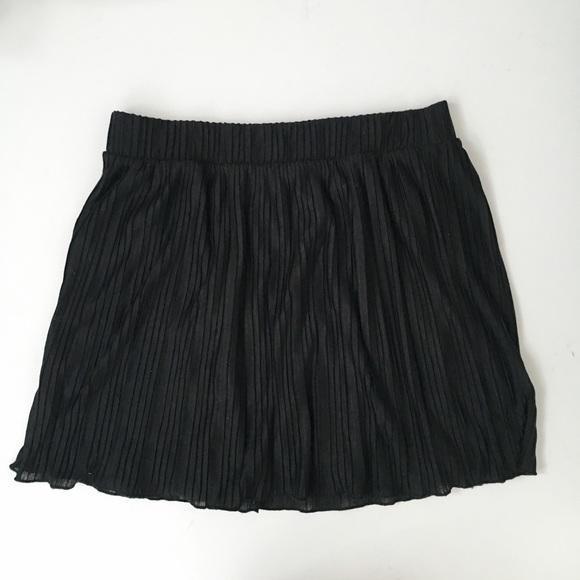 54 zara dresses skirts zara black pleated skirt