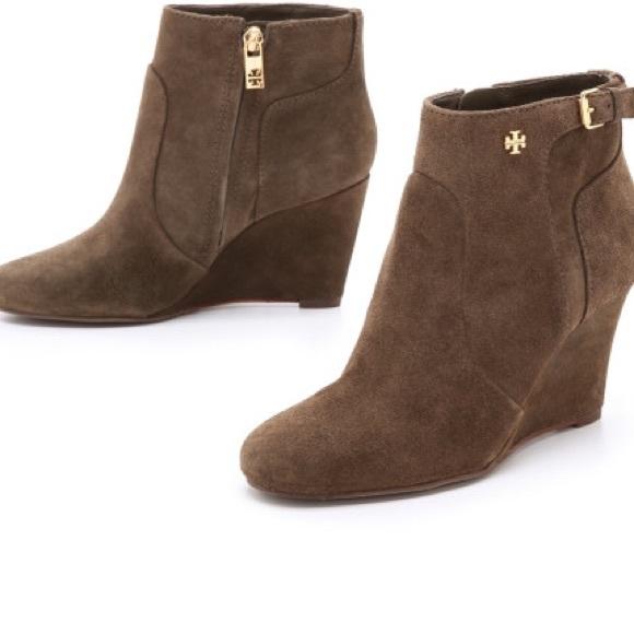e8436082521d9 Tory Burch Milan suede Ankle Boot. M 56c340e82fd0b737b5001e30