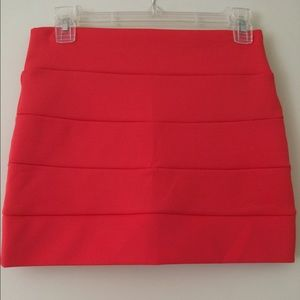 Foreign exchange red min skirt