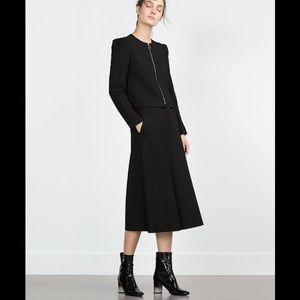 Zara Dresses & Skirts - ZARA BLACK SKIRT with POCKETS!!! NEW!