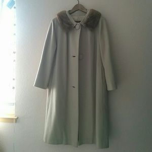 Union-Made Vintage swing coat with fur collar