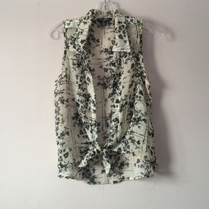 Tops - Cute Sheer and Floral Button Down (Size Medium)
