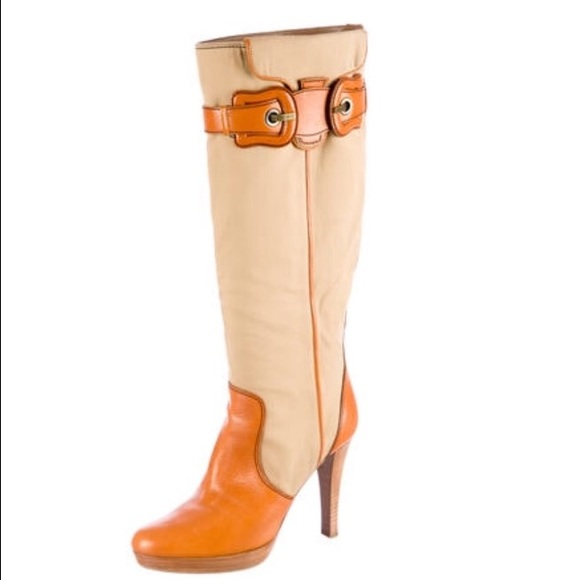 c1d3bb6f Never worn fendi boots khaki/cognac color