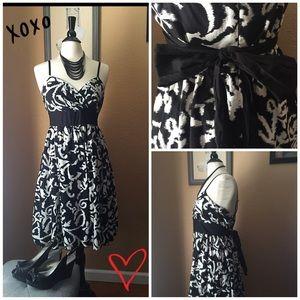 Dresses & Skirts - Spaghetti strap sun dress