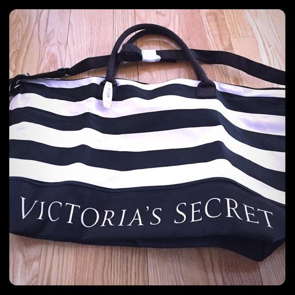 8dba504d0a PINK Victoria Secret travel bag