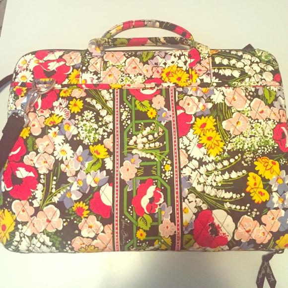 8656df7aa42e Vera Bradley laptop bag (Poppy Fields). M 56c4c109b4188e55f70a5691. Other  Bags ...