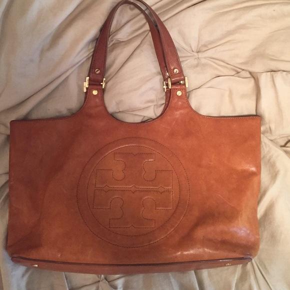 b75b551ae16 Tory Burch camel leather purse