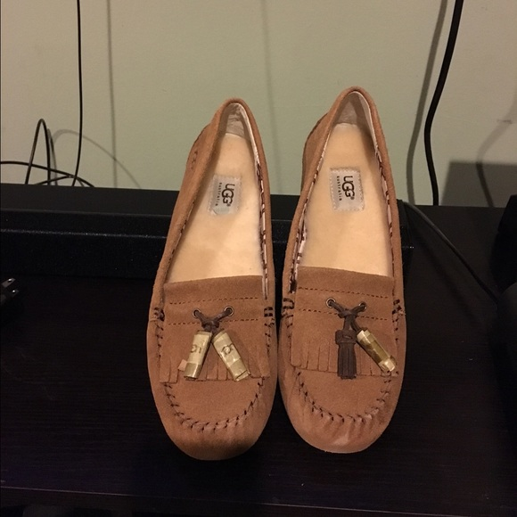 ab6c6403bf0 Ugg Lizzy moccasins