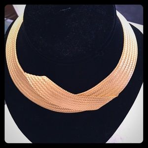 Gold woven collar necklace